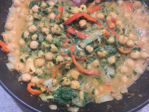 Vegan chickpea, spinach and red pepper curry