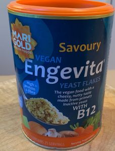Nutritional vegan yeast flakes